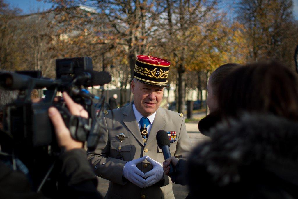 General, Paris